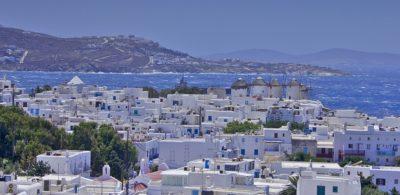 POLETNA GRČIJA! Povratna letalska karta iz Benetk na otok Mikonos že od 82 eur
