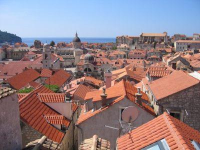 SUPER CENA! Povratna letalska karta iz Benetk v Dalmacijo (Dubrovnik, Split) že za 18 eur (tudi poletni termini)!