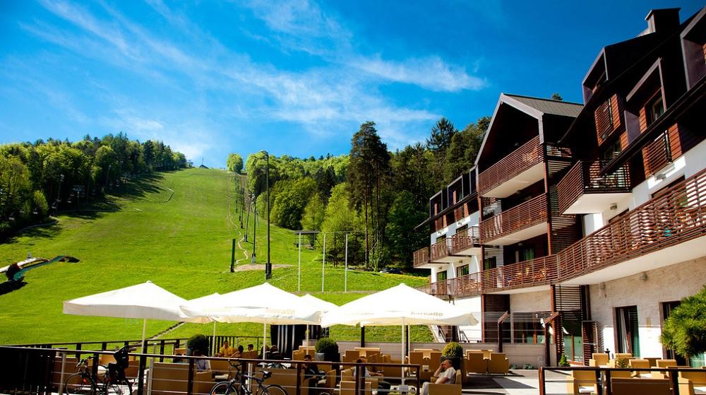 POMLADNI ODDIH NA POHORJU! 2 noči v hotelu + polpenzion+ wellness že za 148 eur (2 osebi)!