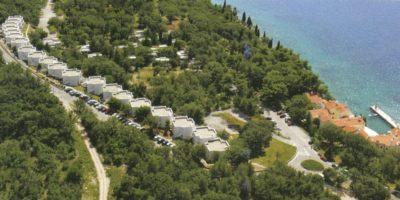 POLETNI DOPUST NA KRKU! 3 noči v Turističnem naselju Lavande v Malinski že za 199 eur (za 4 osebe)